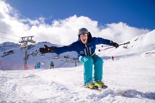 Skifahrt Gutschein Schneebeben Skifahrer