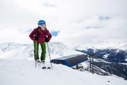Skifahrerin Berg lachen Lift