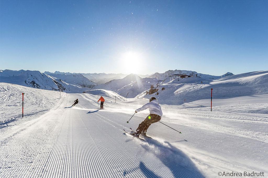 Skifahrer Carven Sonne Ischgl