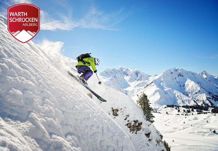 Skiefahrer Tiefschnee