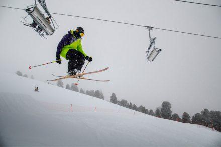 Skifahrer Sprung Abfahrt Lift