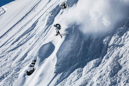 Tiefschnee Lawine Jump Snownoard