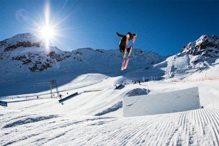 skifahrer kicker trick