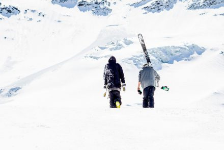 powder walking mountains skiing