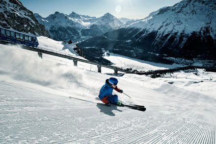 Skifahrer Piste carven