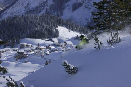 Powder skiier