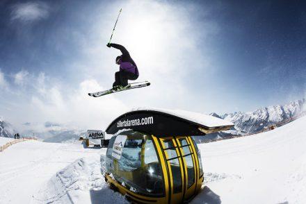 Funpark gondel skifahrer