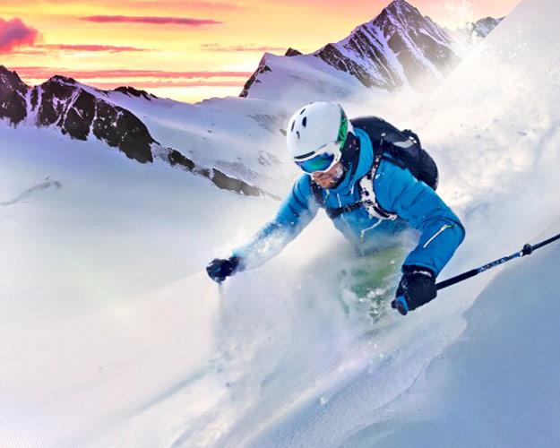 Skifahrer Powder Sonnenuntergang