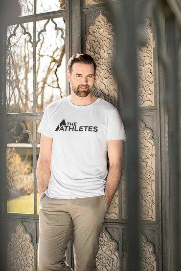 Mann im the Athletes T_Shirt