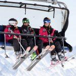 Lift_Gondel_Gruppe_Skier