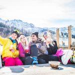 Gruppe Spaß Selfie Sonne