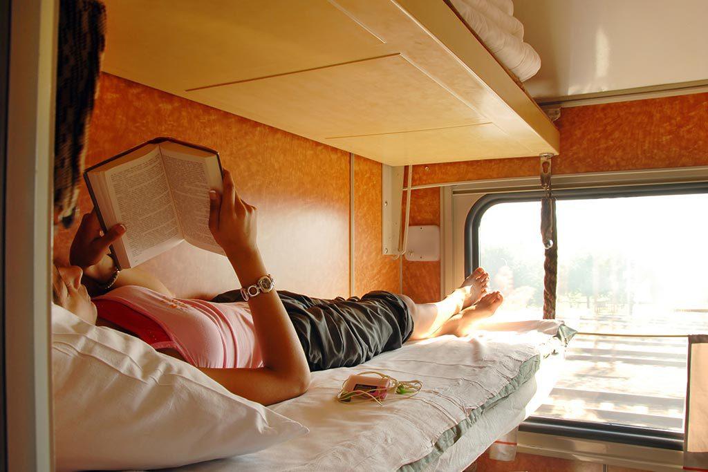 Schlafwagen Zug Lesen